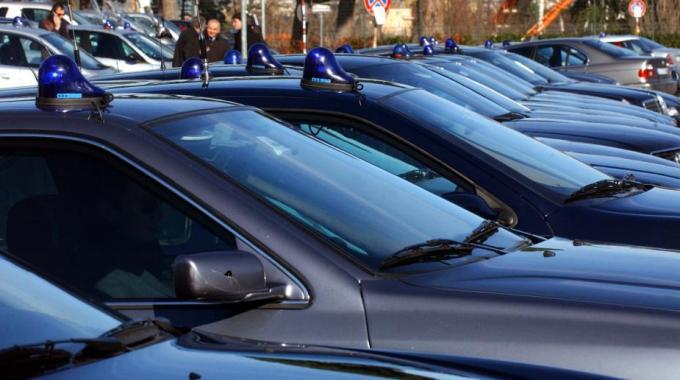 Auto blu costo
